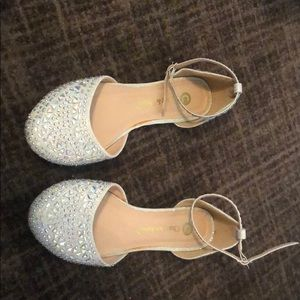 Shoes - Sparkly flat sandals